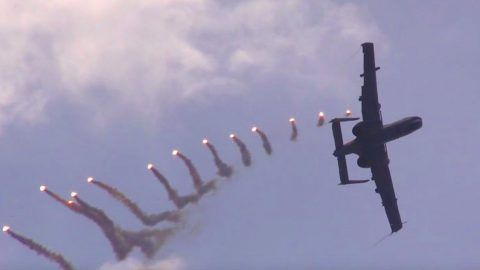 Speeding A-10 Pulls Off Insane Flare Maneuver – That Was Impressive | Frontline Videos