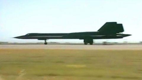 Rare Film Of The Blackbird's Final Flight | Frontline Videos