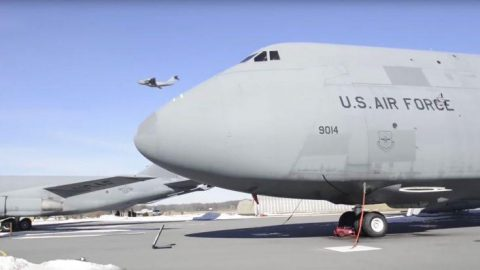 Inside The Gigantic C-5 Galaxy – Awesome Tour Of The Enormous Plane | Frontline Videos