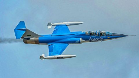 Loud Supersonic Sounds Of The F-104 Starfighter | Frontline Videos