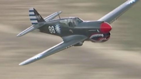 These Bad Boys Don't Skip Out On The Speed – Fighters Get Loud | Frontline Videos