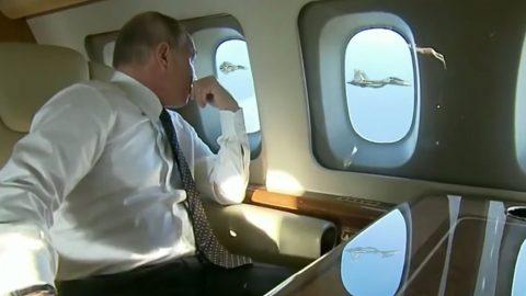 Vladimir Putin's Priceless Reaction To Fighter Escort | Frontline Videos