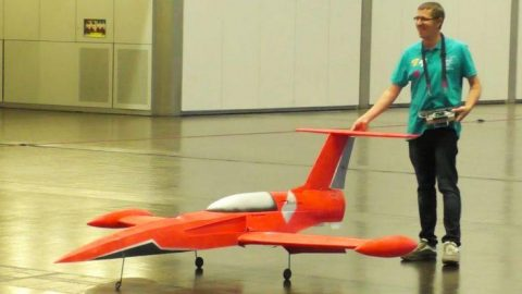 First Giant RC Jet Built For Flight Indoors – That's Right, Indoors | Frontline Videos
