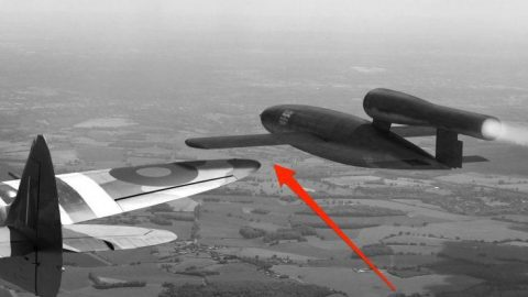 Spitfire Pilots Had An Amusing Method Of Intercepting Flying Bombs | Frontline Videos