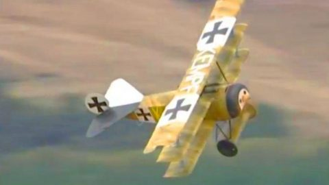 Speeding WWI Fighters In Action – 100 Years Later They've Still Got Moves | Frontline Videos