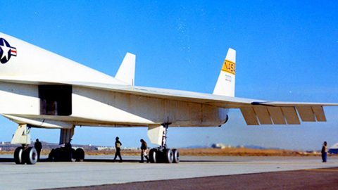 Hitting Mach 3 The XB-70 Valkyrie Is The World's Fastest Nuclear Bomber | Frontline Videos