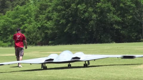 This Is The Largest RC B-2 In The World And Its Flight Is Almost Unreal | Frontline Videos