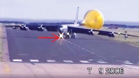 B-52 Makes High Crosswind Landing, But Not Like You'd Expect | Frontline Videos
