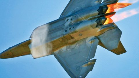 F-22 Rips Through The Sky With The Only Vapor Beard We've Ever Seen | Frontline Videos