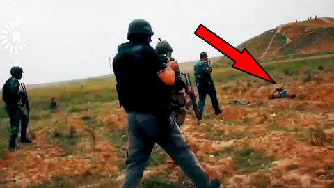 ISIS Scumbag Plays Dead And Detonates Vest As Reporters Approach | Frontline Videos