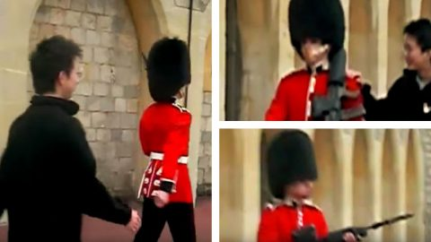 Disrespectful Tourist Mocks Queen's Guard Until He Gets Rifle Drawn At Him   Frontline Videos