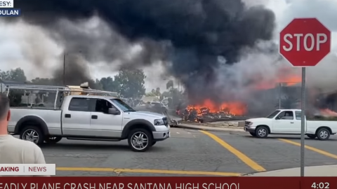 Plane Crashes Into Homes In California | Frontline Videos
